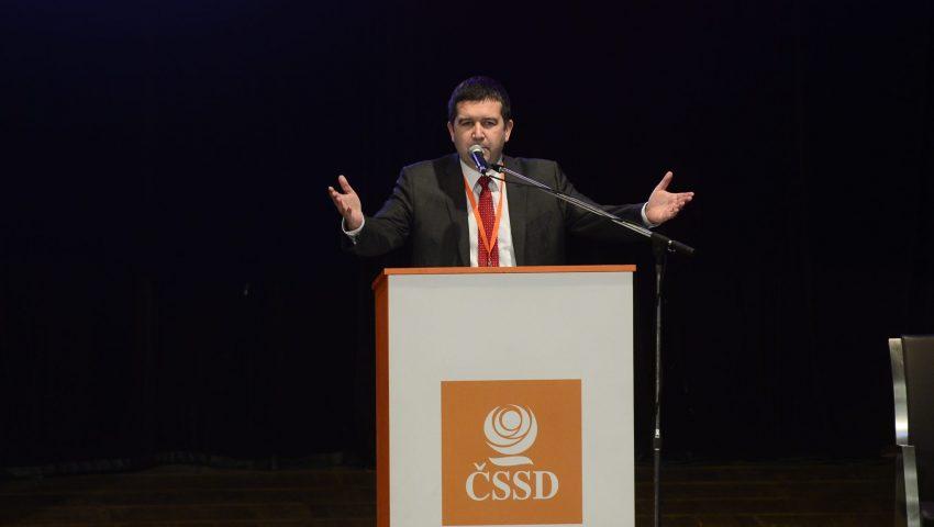 Povede se ČSSD v podzimních volbách zachránit mandáty senátorů a zastupitelů?