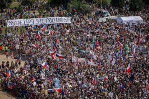 Demonstrace Letná - počet lidí